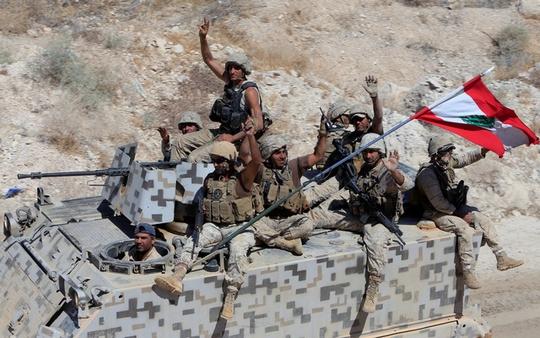 IS chấp nhận lệnh ngừng bắn tại biên giới Syria - Lebanon - Ảnh 1.
