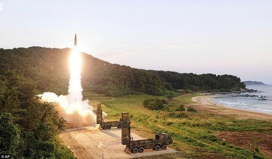 Triều Tiên sẽ hủy diệt kinh tế Mỹ bằng tấn công xung điện từ? - Ảnh 1.