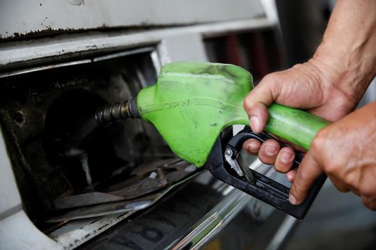 Venezuela niêm yết giá dầu theo tiền Trung Quốc - Ảnh 1.