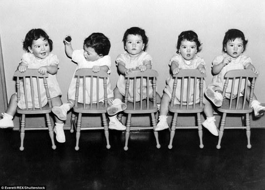 Cuộc đời đầy biến cố của 5 bé gái trong ca sinh 5 đầu tiên trên thế giới - Ảnh 2.