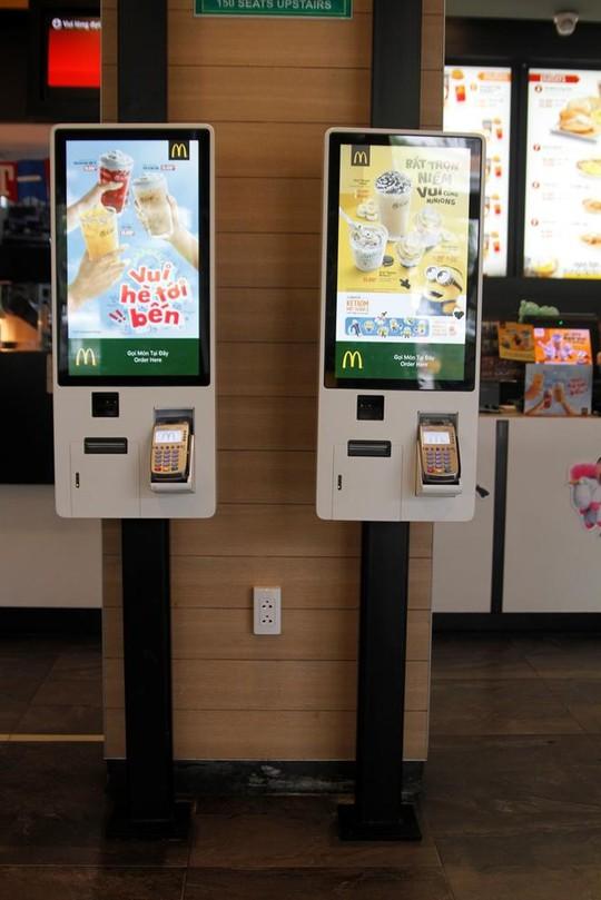 Ki-ốt gọi món tự động lần đầu tiên có mặt tại thị trường Việt Nam ở nhà hàng McDonald's