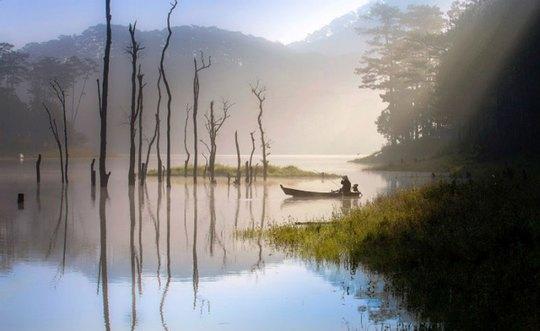 Mục sở thị hồ nước đẹp hàng đầu tại miền Nam Việt Nam - Ảnh 1.