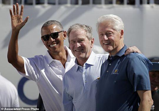 Ba cựu tổng thống Obama, Bush và Clinton gây sốt tại Presidents Cup - Ảnh 1.
