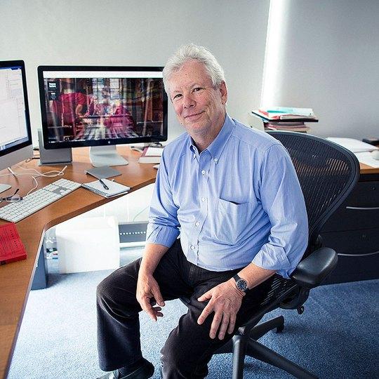 Giáo sư Mỹ ôm trọn giải Nobel Kinh tế 2017 - Ảnh 1.