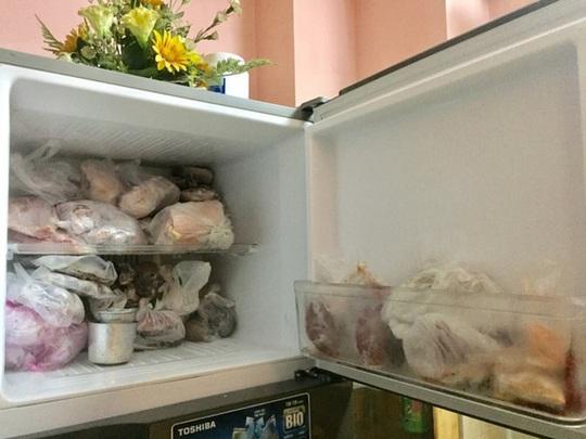 Đựng đồ ăn trong ngăn đá bằng túi nylon liệu có hại? - Ảnh 1.