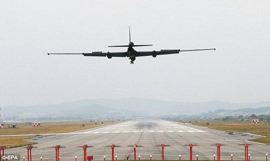 Nửa đêm, máy bay Mỹ - Hàn - Nhật nã tên lửa gần Triều Tiên - Ảnh 3.
