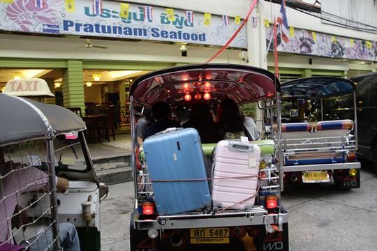 Vì sao Thái Lan khách phải mang 20.000 baht khi nhập cảnh? - Ảnh 2.