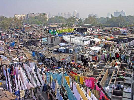 Tiệm giặt là bằng tay có hơn 7.000 nhân viên - Ảnh 2.