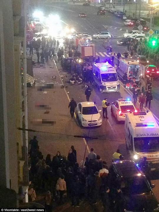 Vượt đèn đỏ, ái nữ nhà đại gia Ukraine đâm chết 5 người - Ảnh 2.
