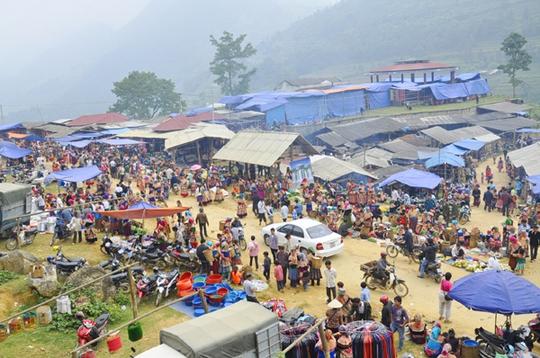 Những món ăn thử rồi ghiền tại chợ phiên Lào Cai - Ảnh 1.