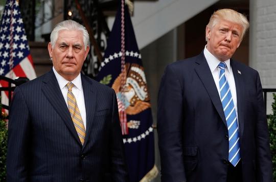 Ông Donald Trump rút ngắn chuyến công du châu Á - Ảnh 1.