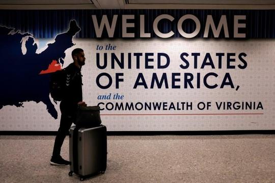 Các hãng hàng không chật vật vì quy định mới của Mỹ - Ảnh 1.