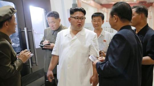 Triều Tiên bất ngờ tha cho tàu cá Hàn Quốc - Ảnh 1.