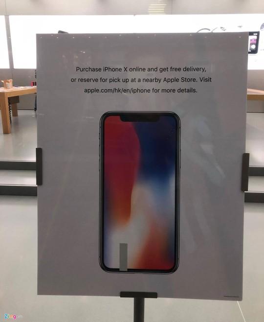 iPhone X đóng thùng xốp, bán như cá ở Hong Kong - Ảnh 1.