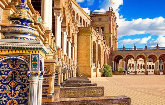Seville dẫn đầu 10 thành phố tốt nhất để du lịch năm 2018 - Ảnh 1.
