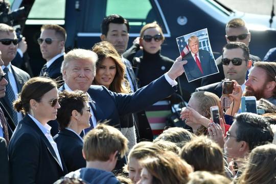 Đến Nhật Bản, ông Donald Trump tuyên bố cứng rắn về Triều Tiên - Ảnh 1.