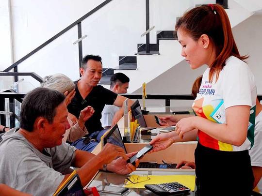 Đâu chỉ Apple Việt Nam khổ vì giấy phép con - Ảnh 1.