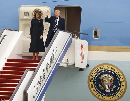 Trung Quốc đón chào Tổng thống Donald Trump - Ảnh 1.