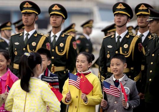 Trung Quốc đón chào Tổng thống Donald Trump - Ảnh 2.
