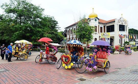 Những chiếc xích lô du lịch độc đáo tại Malacca - Ảnh 3.