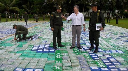Colombia thu giữ lượng ma túy lớn nhất lịch sử - Ảnh 2.