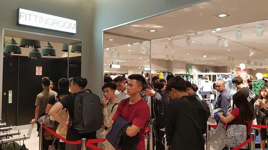 H&M, Zara Việt Nam có thành những phòng thử đồ khổng lồ? - Ảnh 1.