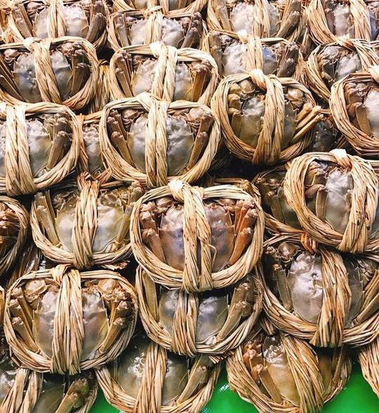 Con cua lông 2 lạng giá gần 1 triệu đồng - Ảnh 1.