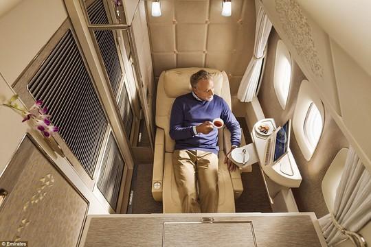 Khoang hạng nhất với không gian riêng cho hành khách - Ảnh 1.