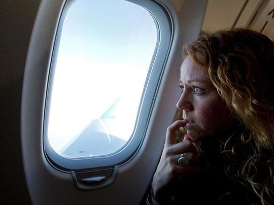9 cách xua tan nỗi sợ khi đi máy bay - Ảnh 1.