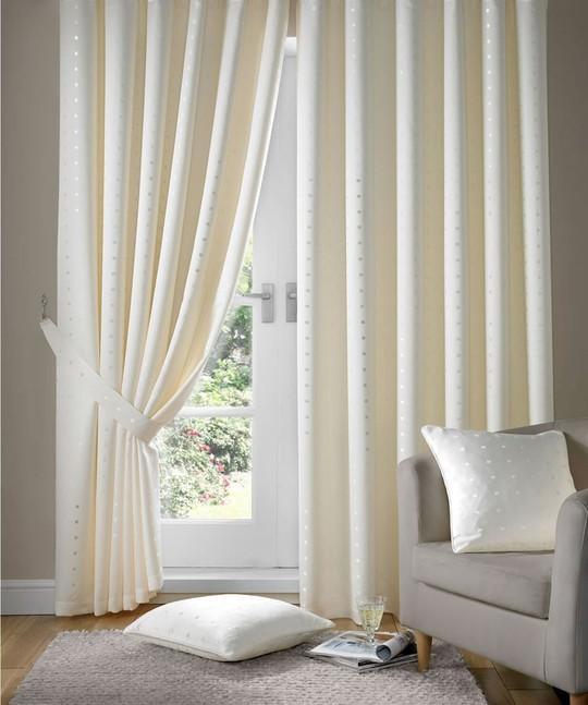 Nguyên tắc vàng khi chọn rèm cửa để căn phòng không bị rối mắt - Ảnh 2.