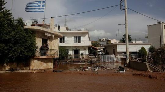 Hy Lạp: Lũ quét kinh hoàng, nhiều người chết kẹt trong nhà - Ảnh 4.