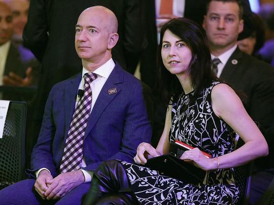 Một ngày của người giàu nhất thế giới, Jeff Bezos - Ảnh 2.