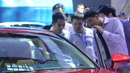Giảm giá, con dao hai lưỡi ở thị trường ôtô Việt - Ảnh 1.