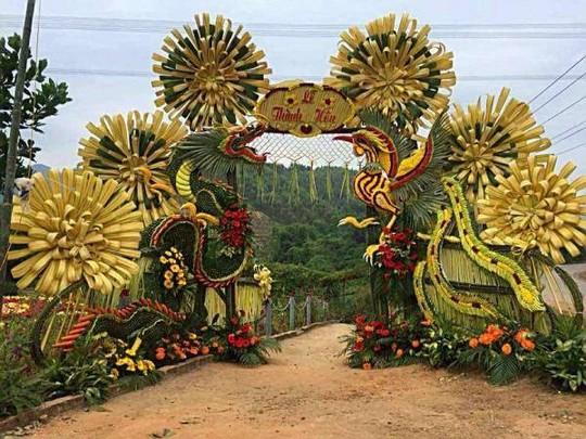 Chùm ảnh: Về miền Tây dự đám cưới có cổng lá dừa - Ảnh 1.