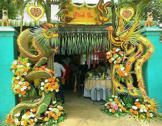 Chùm ảnh: Về miền Tây dự đám cưới có cổng lá dừa - Ảnh 2.