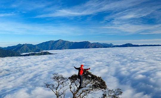 Thiên đường mây đẹp nhất nước, ai cũng muốn chinh phục - Ảnh 1.