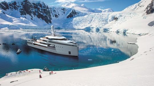 Siêu du thuyền có khả năng phá băng như tàu chiến - Ảnh 2.