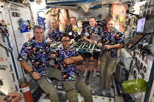 Tiết lộ cuộc sống của phi hành đoàn trên trạm không gian ISS - Ảnh 1.