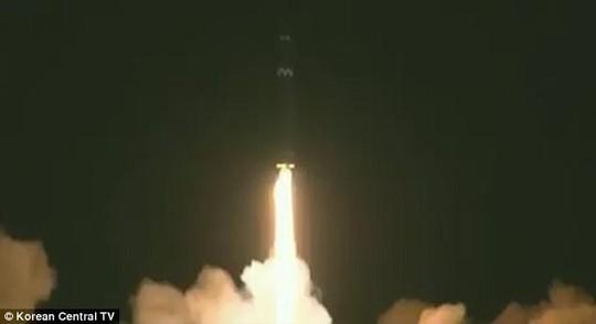Phi hành đoàn Cathay Pacific nhìn thấy tên lửa Triều Tiên rơi - Ảnh 3.