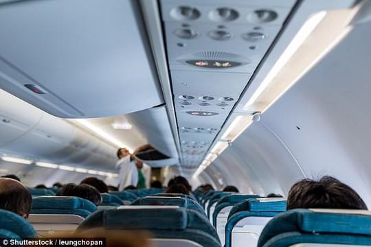 Bí mật chỗ ngồi trên máy bay được tiếp viên ưu đãi nhất - Ảnh 1.
