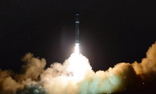 Ngoại trưởng Nga chuyển thông điệp bất ngờ của Triều Tiên cho ông Tillerson - Ảnh 2.