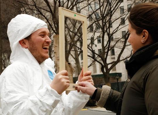Gương thông minh chỉ cười mới hiện lên khuôn mặt bạn - Ảnh 2.