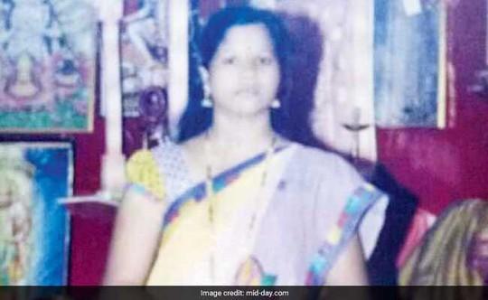 Rúng động vợ giết chồng, chôn xác 13 năm trong hố tự hoại - Ảnh 1.