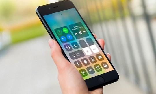 iPhone cũ bị chậm, chỉ cần thay pin mới? - Ảnh 2.