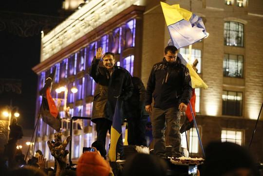 Cựu tổng thống Georgia tiếp tục khuấy đảo Ukraine - Ảnh 2.