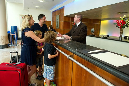 6 điều bạn hay quên khi làm thủ tục thanh toán khách sạn - Ảnh 2.