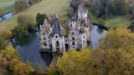 Bên trong lâu đài cổ nước Pháp có hơn 9.000 chủ nhân - Ảnh 2.