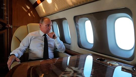 Phi công Su-30 nói về nhiệm vụ cảm tử bảo vệ Tổng thống Putin - Ảnh 1.