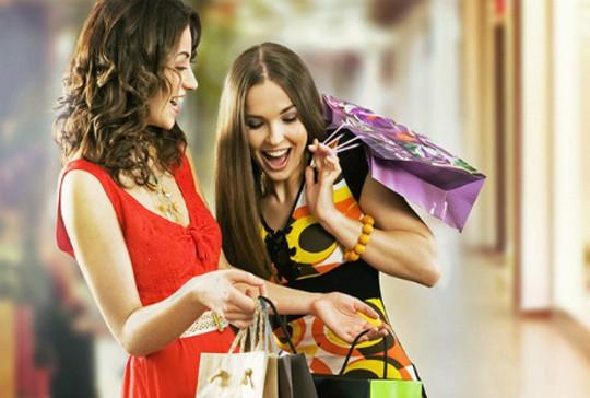 4 chiêu mua hàng hiệu giảm giá ở nước ngoài dịp cuối năm - Ảnh 2.