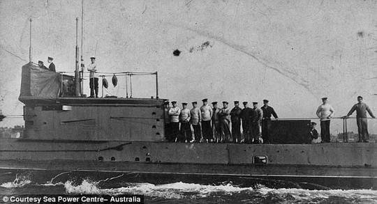 Kiên trì hơn 100 năm, Úc tìm được tàu ngầm bị đắm đầu tiên - Ảnh 3.